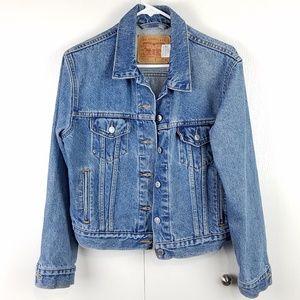 Levi's medium wash boyfriend style jean jacket M